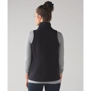 Lululemon• Going Places Vest Black